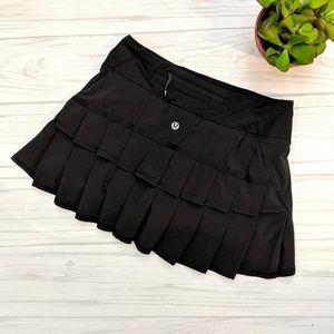 Lululemon Pace Setter Black Skirt Shorts Size 2